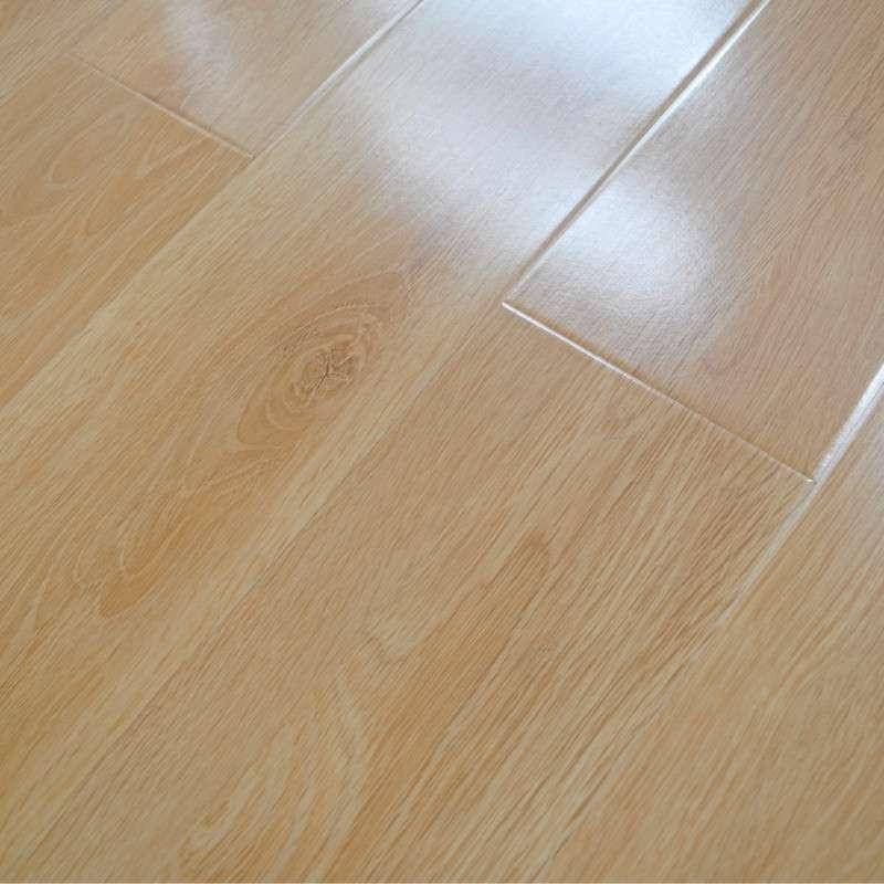 浅色复合地板效果图