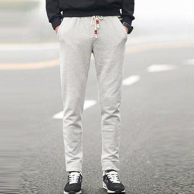 浅灰色小脚裤搭配鞋子图片