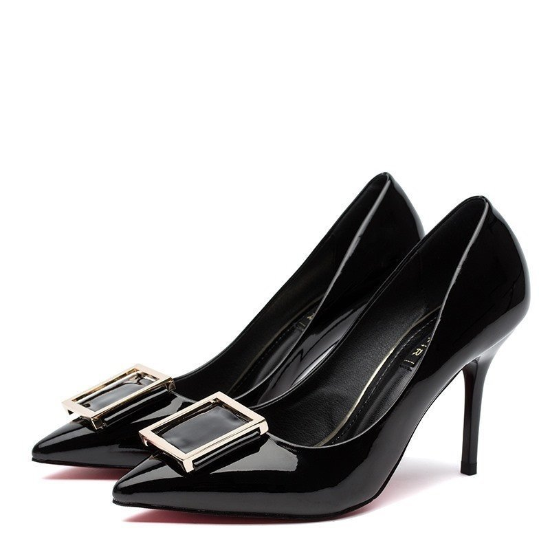 金属尖头单鞋