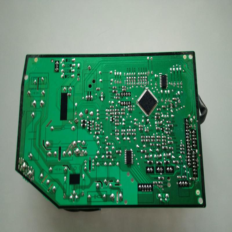 惠而浦空调1.5p定频内机板高清实拍图