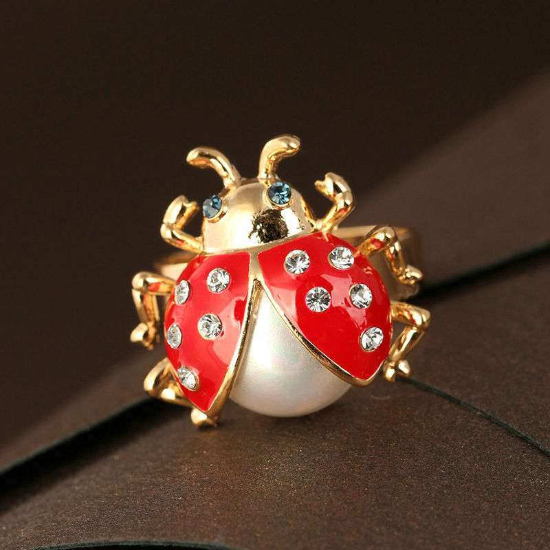 多色镶钻可爱动物戒指