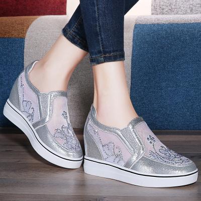 萊卡金頓 內增高休閑鞋 女春季新款圓頭透氣網面小白鞋蕾絲花飾水鉆女鞋 啟隆6085