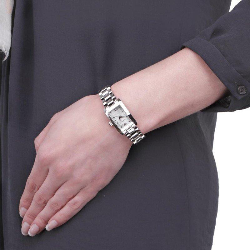 阿玛尼(armani)手表女士石英表 小巧简约女表 方形表盘 时尚镶钻腕表