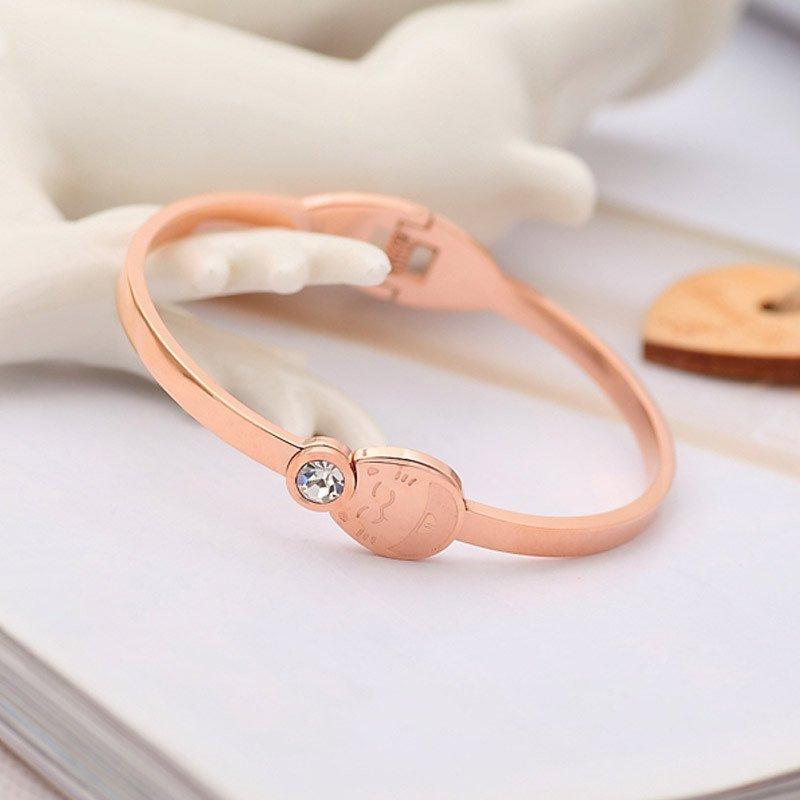 唯酷 新年招财龙猫手环可爱镀18k玫瑰金彩金女时尚手镯钛钢韩版饰品
