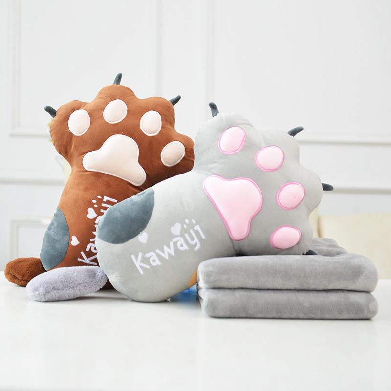 可爱熊掌猫爪卡通加厚抱枕被子两用靠垫珊瑚绒午休沙发办公室毯子